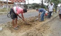 Aguas del Chuno repara daños en avenida Eloy Alfaro