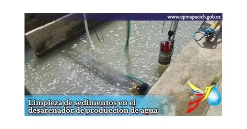 Limpieza de sedimentos en el desarenador de producción de agua